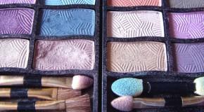 Mineral-Make-up gut zur Haut
